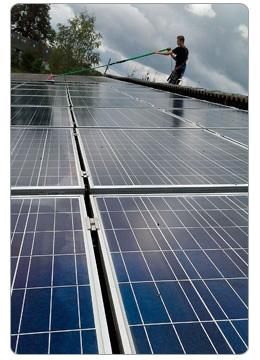 photovoltaik und solaranlagenreinigung reinigung die. Black Bedroom Furniture Sets. Home Design Ideas