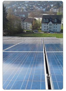 photovoltaik und solaranlagenreinigung reinigung die sich lohnt. Black Bedroom Furniture Sets. Home Design Ideas